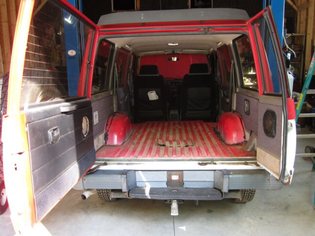 88 Isuzu TROOPER 4 dr  with '89 2 dr  PARTS VEHICLE & TONS
