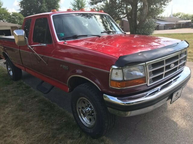 1992 Red Ford F-250 Crew Cab Pickup