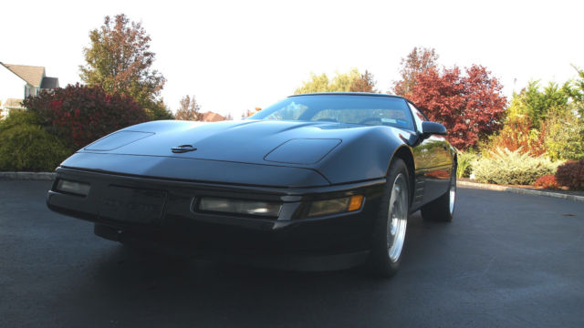 1994 Chevrolet Corvette Base Hatchback 2-Door