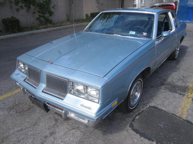1986 Oldsmobile Cutlass 2dr Coupe Su