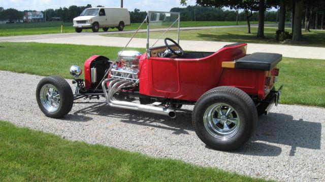 1923 Ford T Bucket red fiberglass body 302 V8 C4 automatic posi