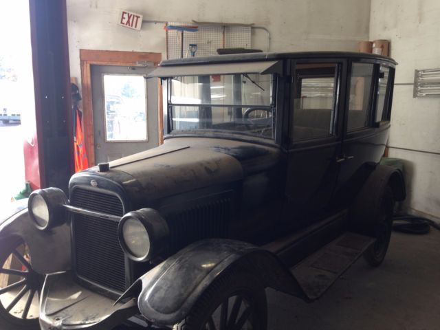 1923 Black Willys Overland Sedan