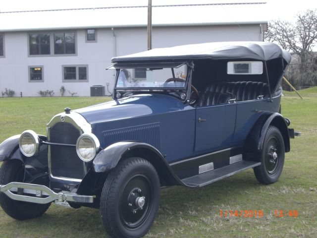 1924 Studebaker touring car