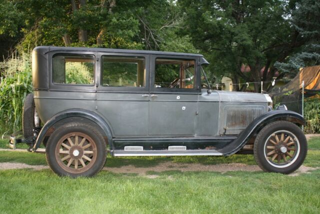 1926 Willys Knight Model 70 4 DR SEDAN