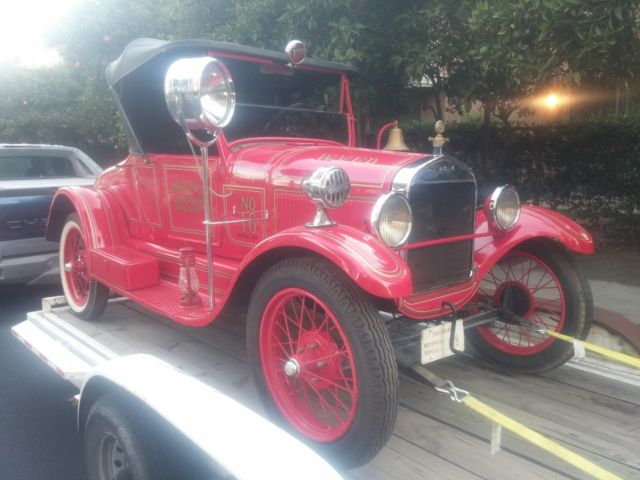 1927 Ford Model T Fire Chief Car With Siren and Lights