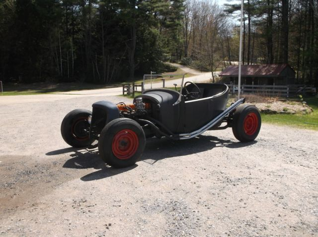 1927 Ford Model T Deluxe