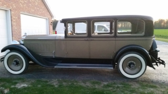 1929 Packard 640 4 door sedan