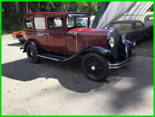 1930 Chrysler CJ-6 sedan