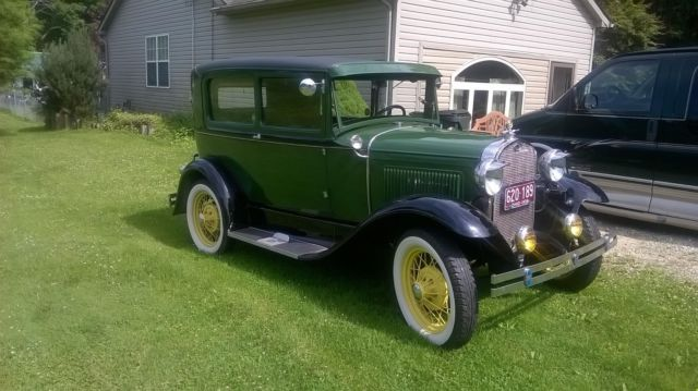 1930 Ford Model A 2 dr sadan