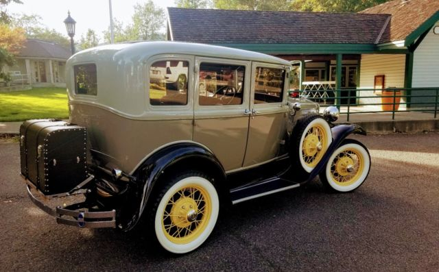 1930 Ford Model A Deluxe --- Museum Quality! Complete