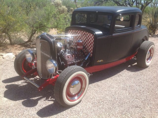 1932 Ford Delux 5 window coupe 5 window coupe