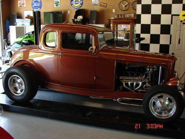 1932 Ford Coupe Model b