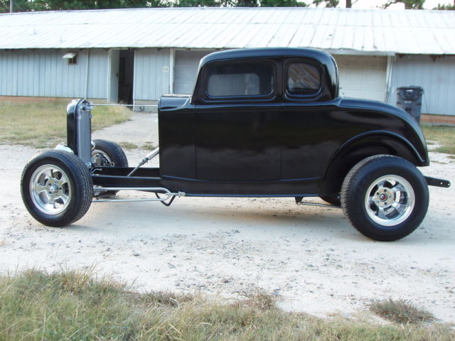 1932 ford five window coupe project new glass body on for 1932 ford 3 window coupe chassis