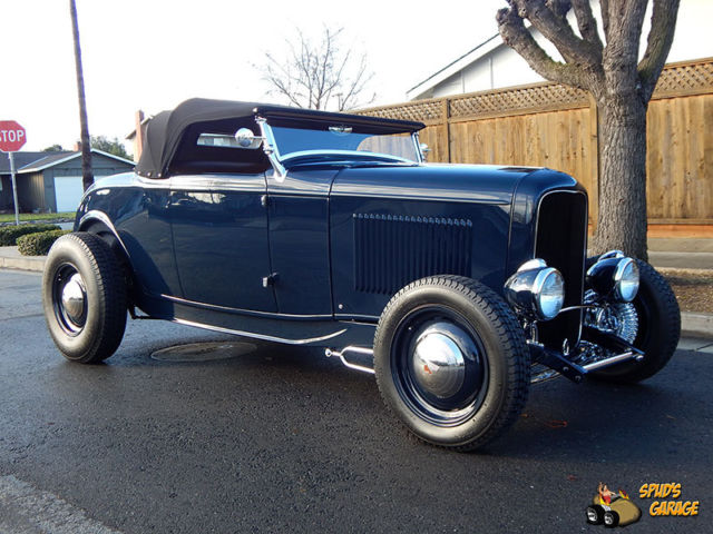 1932 Ford Hi-Boy Roadster Traditional Style