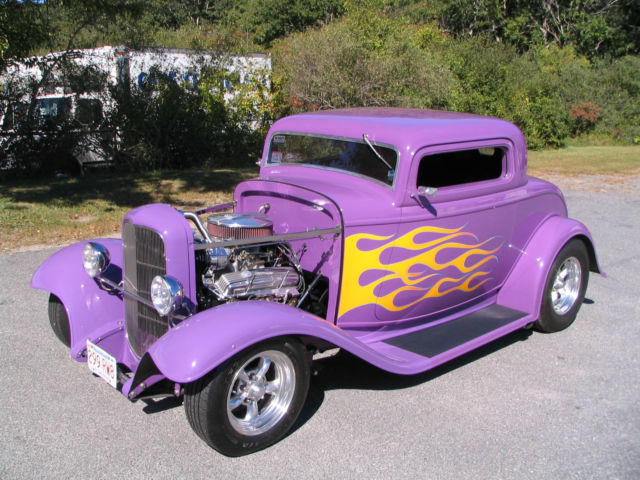 1932 Ford Model A 3-window Coupe