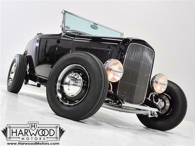 1932 Ford Roadster  4860 Miles Black  350 cubic inch V8 4-speed automatic