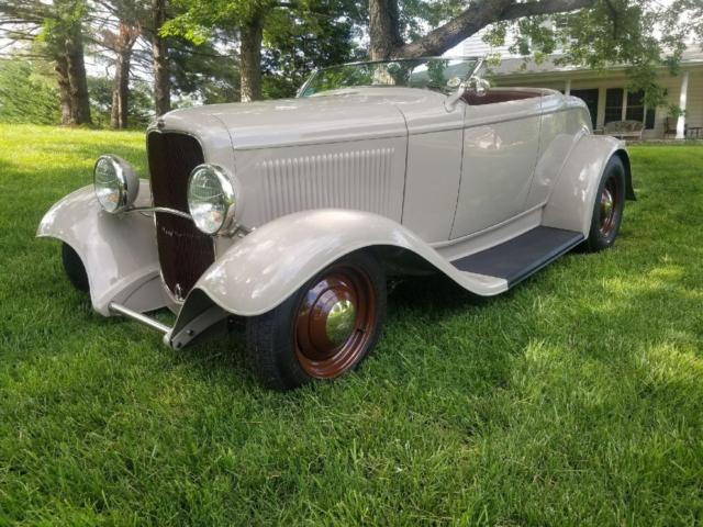 1932 Ford ROADSTER LEATHER