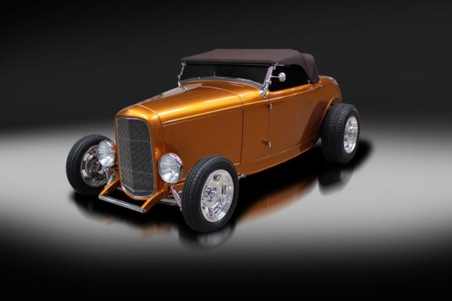 "1932 Ford Steel Roadster Custom ""Great 8 Contender"""