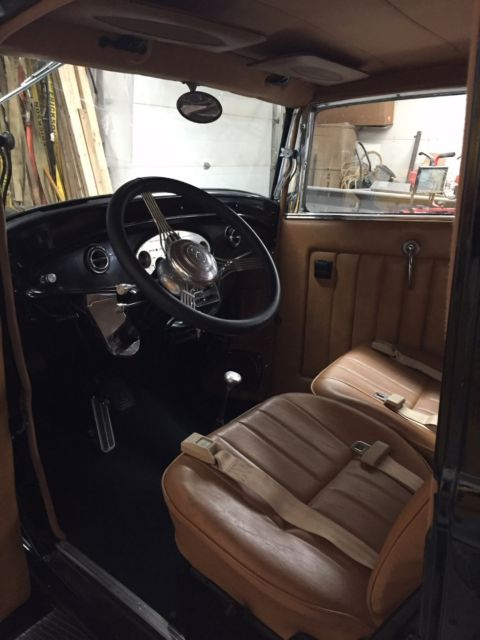 1932 Black Ford Other Cab & Chassis with Tan interior