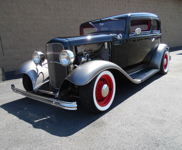 1932 Ford Crown Victoria Sedan