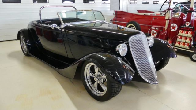 1933 Ford Roadster --