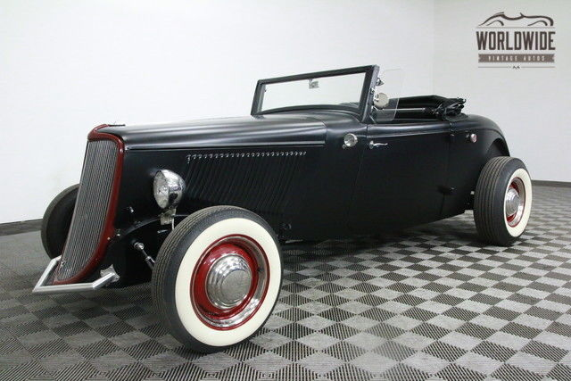 1933 Ford ROADSTER DELUXE ALL FORD STEEL! FLATHEAD V8. RUMBLE SEAT!