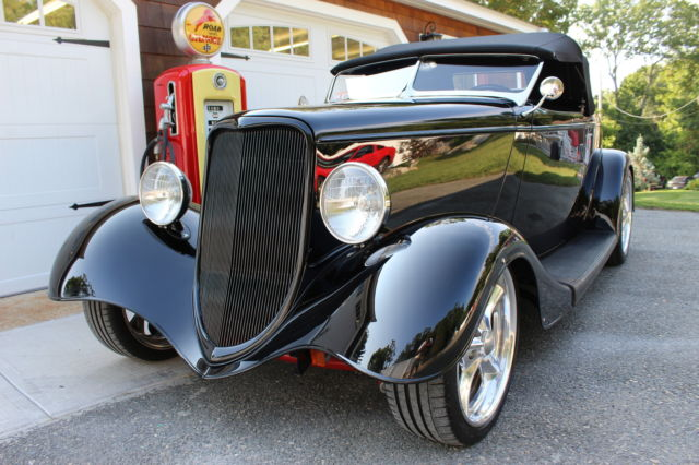 1933 Ford Roadster Other