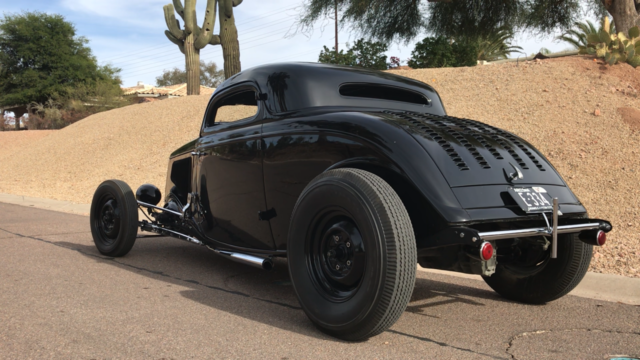 1934 Black Ford Model 40 Coupe with Black interior