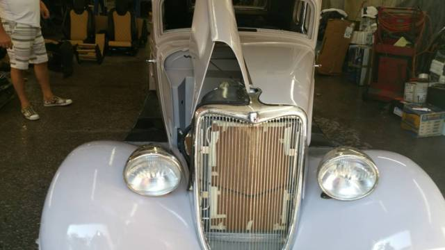 1934 Ford 5 window coup