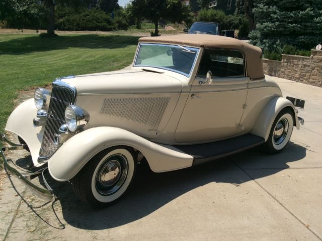 1934 Ford Flop top with a rumble seat, hot rod street Rod 1932 1933