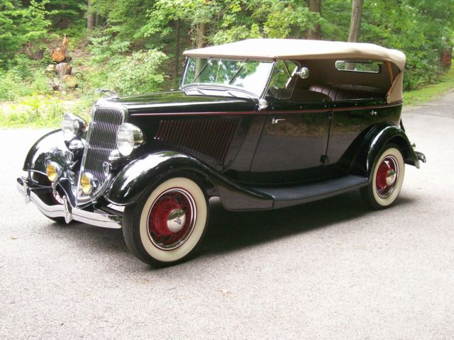 1934 Ford PHAETON CONVERIBLE