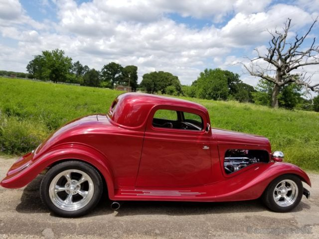 1934 Ford Three Window Coupe Hot Rod