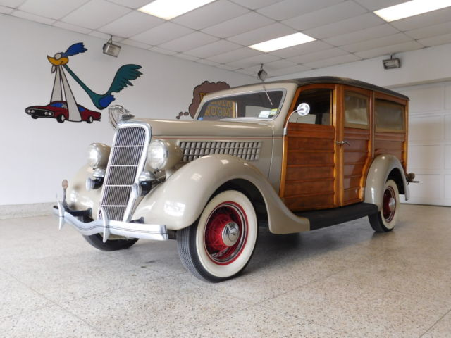 1935 Ford 48 Woody Station Wagon