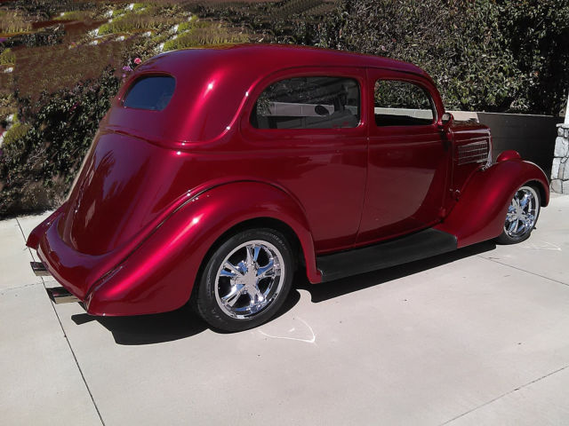 1935 Ford Tudor slant back Street Rod