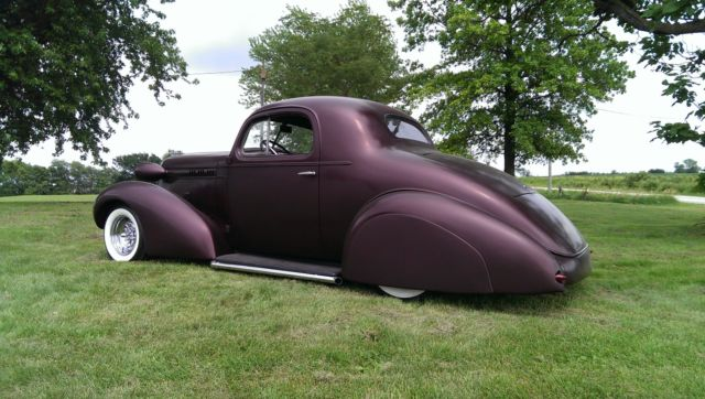 1936 Oldsmobile L36 Coupe