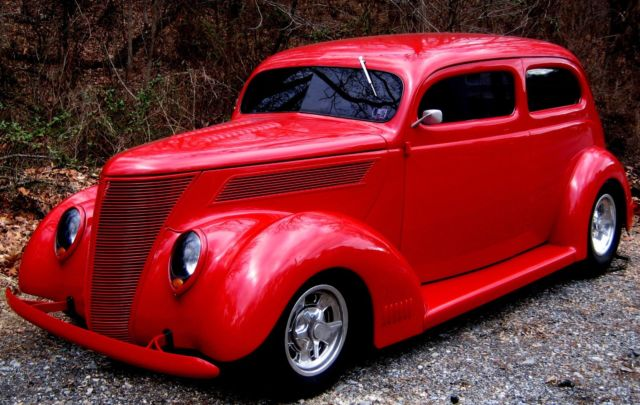 1937 Ford 2 Door Sedan Street Rod