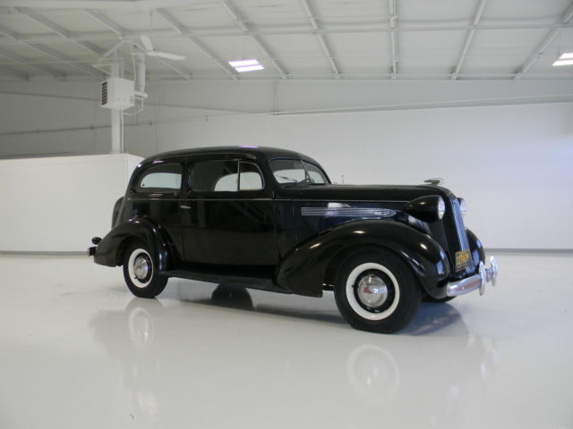 1938 Pontiac Chief 2 door coupe