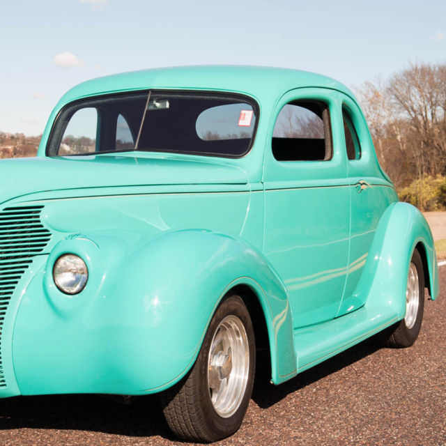 1939 Ford Coupe 5 Window