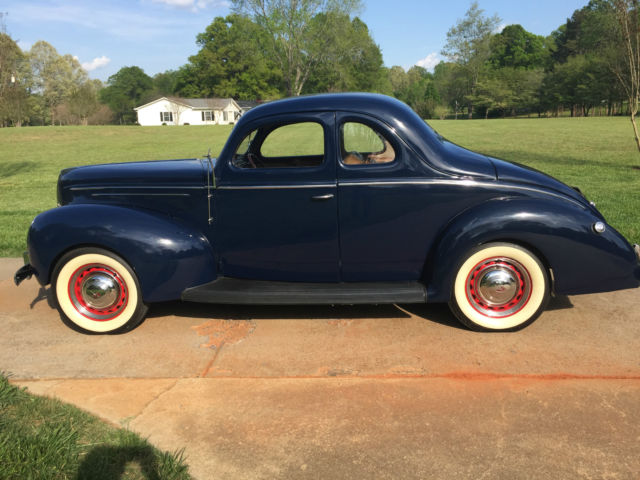 1939 Ford DELUXE 2 DOOR COUPE