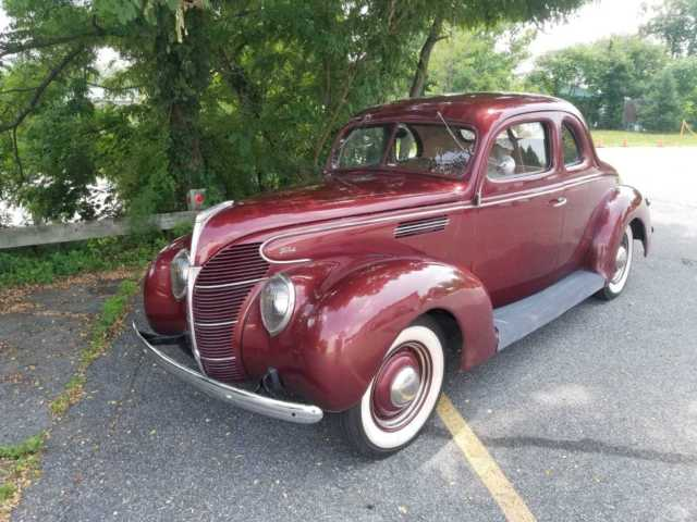 1939 Ford COUPE DELUXE