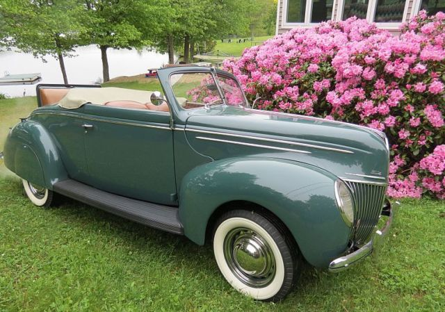 1939 Ford Deluxe convertible coupe Deluxe Convertible
