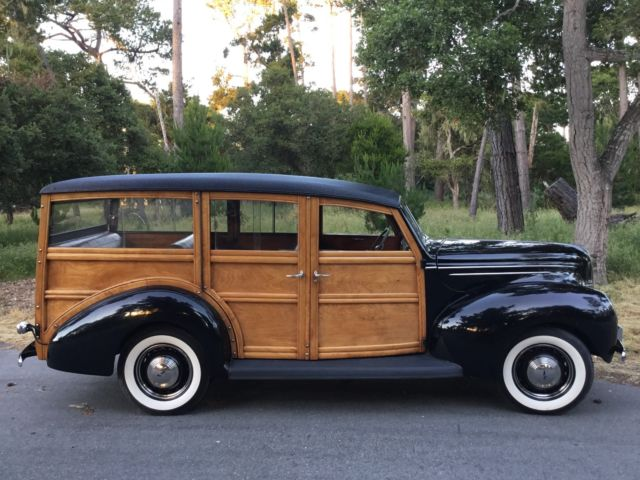 1939 Ford Deluxe Station Wagon
