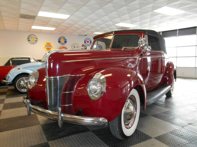 1940 Ford 2 Door Convertible