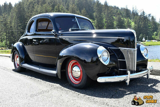 1940 Ford Deluxe Coupe Resto Rod