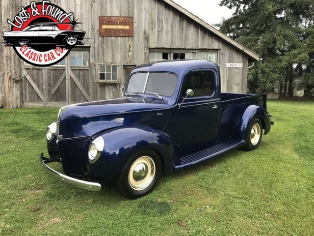 1940 Ford streetrod pickup --
