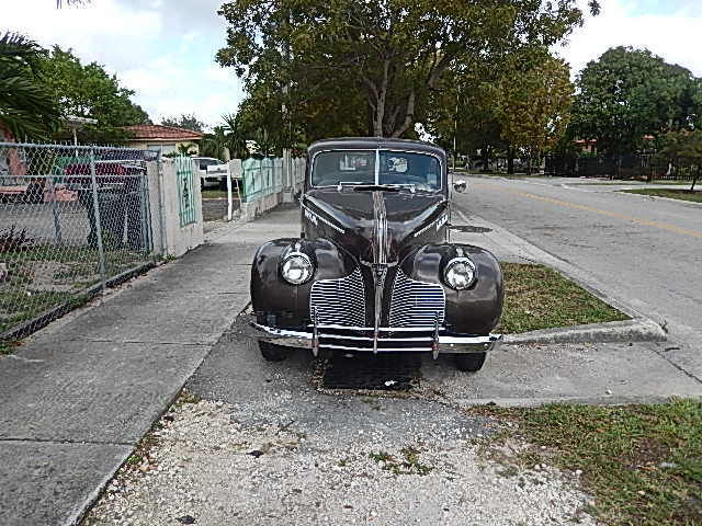 1940 Pontiac Deluxe,2 door sedan.