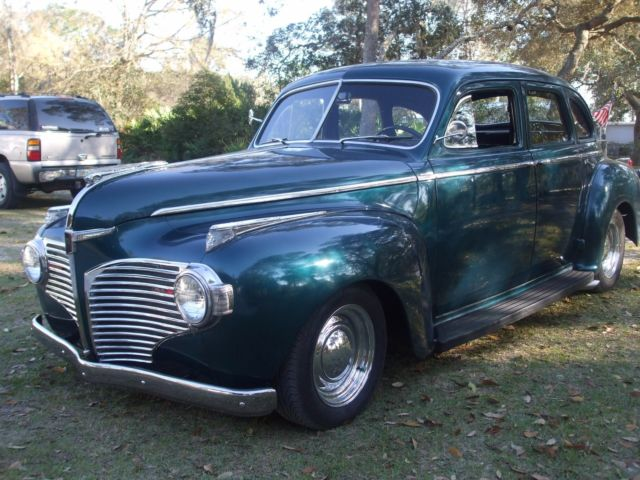 1941 Ford Dodge Luxury Liner 4 dr