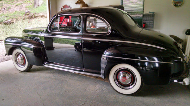 1946 Ford 2 door coupe coupe
