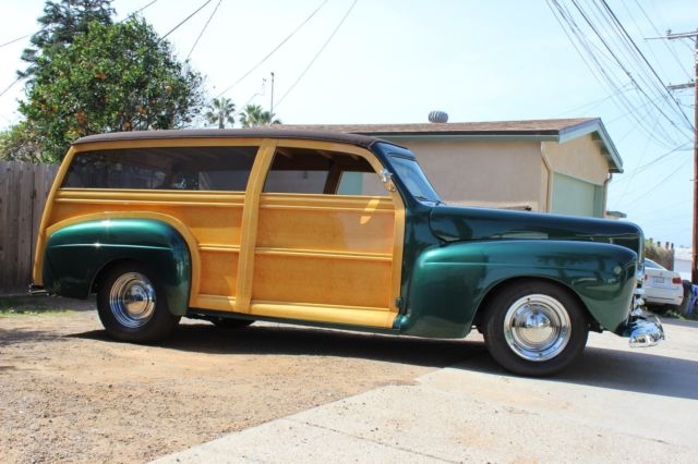 1946 Ford SUPER DELUXE WOODY WAGON