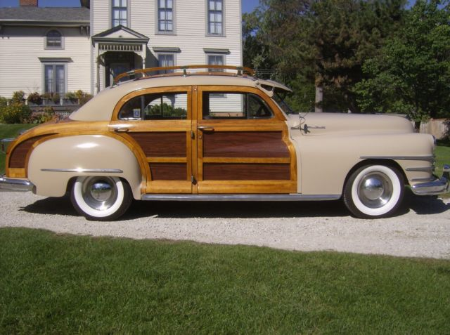 1948 Chrysler Town & Country Woodie